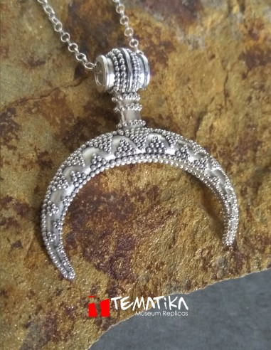 Amuleto luna creciente